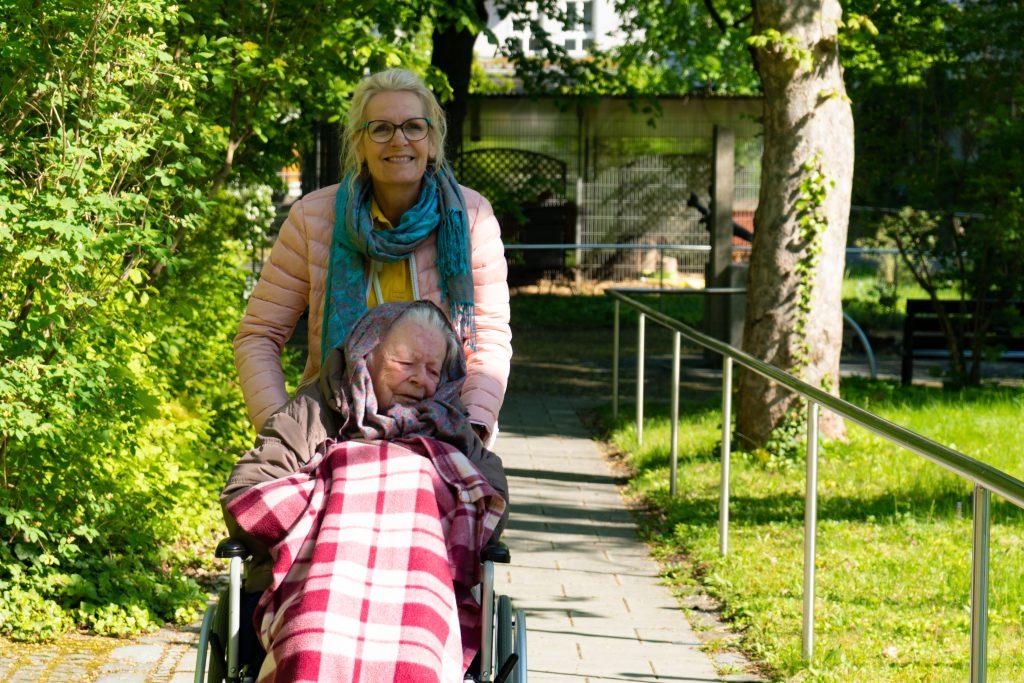 Ruhe und Erholung finden ist in unserem Park bei einem gemütlichen Spaziergang gar kein Problem.
